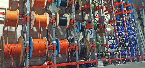 bobinero con bobinas